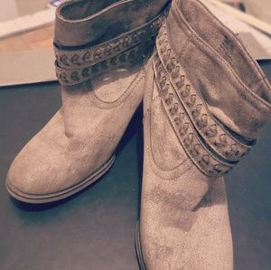 MIA Amysi Distressed Fall Ankle Boots with buckle
